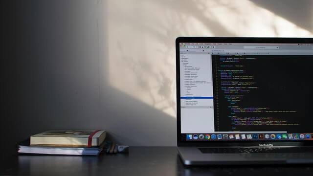大学生がプログラミングで稼ぐ